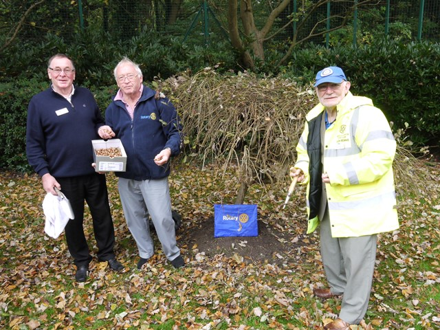 Maghull & Aughton Rotary Members - John Les and Simon